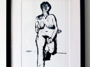 הדפס משי עירום אישה עומדת שחור גודל 25\35 סמ