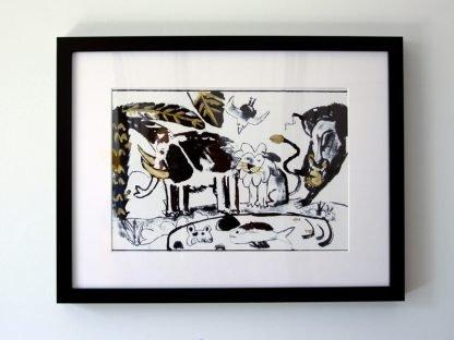הדפס משי נוח שחור זהב מצויר ממוסגר
