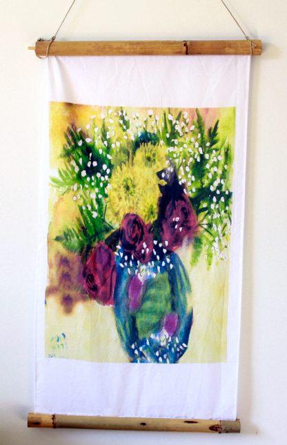 כד עם פרחים הדפס על בד
